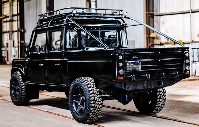 Gan 190.000 USD cho ban do Land Rover Defender doi 1992 hinh anh 2 1992_land_rover_defender_d130_pickup_custom_tuning_osprey_4.jpg