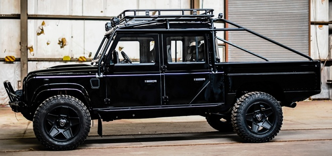 Gan 190.000 USD cho ban do Land Rover Defender doi 1992 hinh anh 3 1992_land_rover_defender_d130_pickup_custom_tuning_osprey_5.jpg
