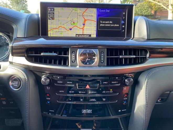 danh gia Lexus LX 570 2020 anh 23