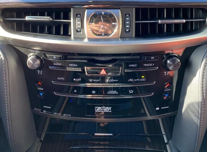 danh gia Lexus LX 570 2020 anh 19