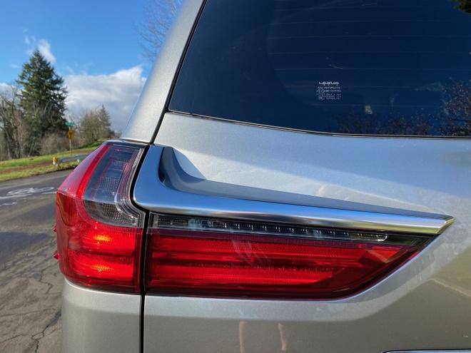 danh gia Lexus LX 570 2020 anh 11