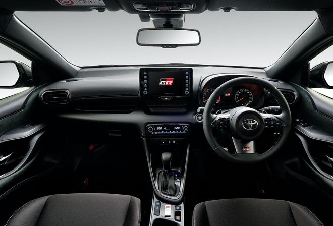Toyota GR Yaris RS chi ban tai Nhat Ban anh 2
