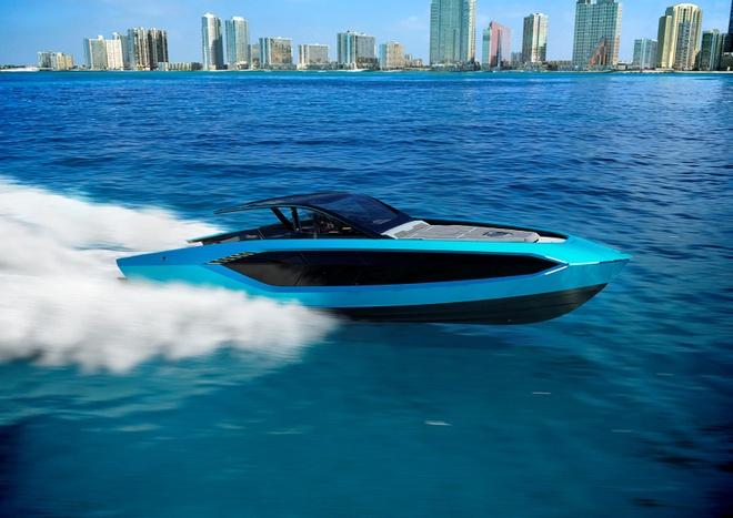 Trước Lamborghini có Lexus ra mắt du thuyền thể thao năm 2018, và cuối năm ngoái Honda trình diện du thuyền tốc độ lấy cảm hứng từ siêu xe NSX.
