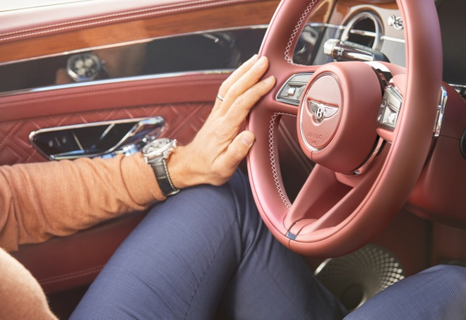 Bentley Continental GT co toi 10 ty kieu phoi mau ngoai that anh 2