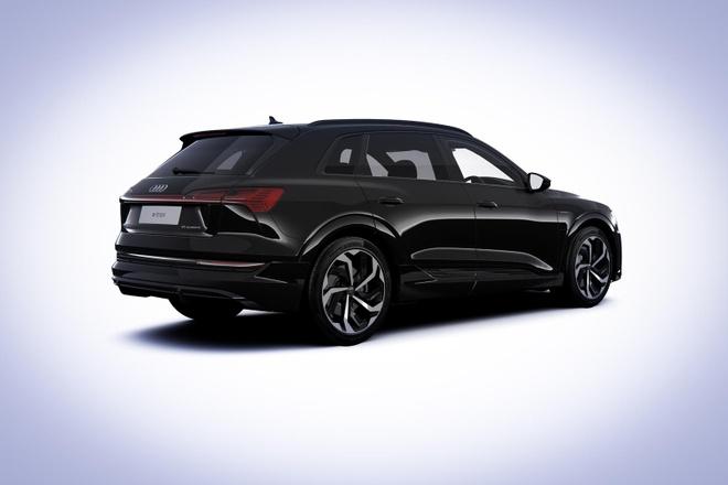 Audi ra phien ban e-tron Black Edition 2021 anh 2