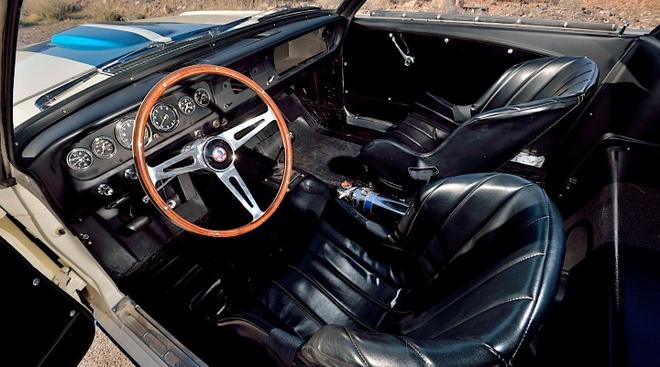 Ford Mustang co ban dau gia 3, 85 trieu USD anh 5