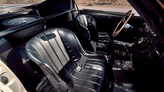 Ford Mustang co ban dau gia 3, 85 trieu USD anh 6