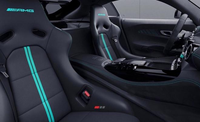Mercedes-AMG GT Black Series ra ban dac biet anh 2