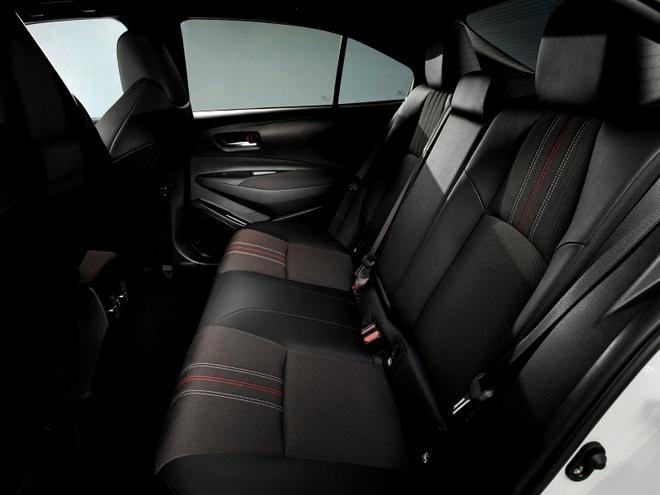 Toyota Corolla Sedan 2020 them goi trang bi the thao anh 8