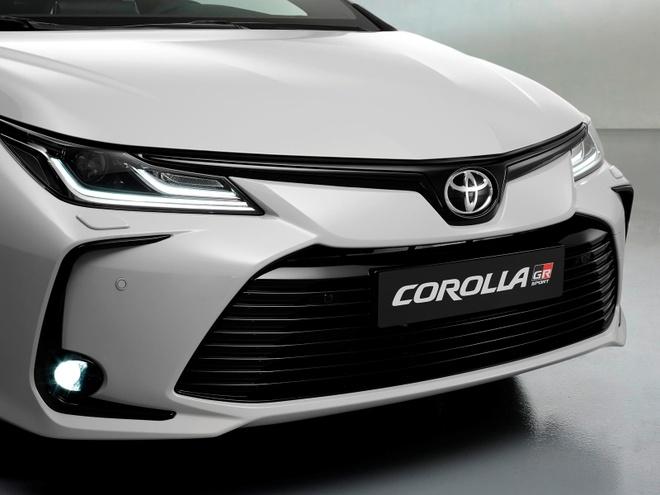 Toyota Corolla Sedan 2020 them goi trang bi the thao anh 4