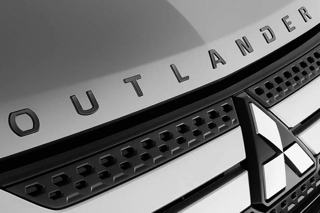 Mitsubishi Outlander 2021 ra mat nam toi anh 1