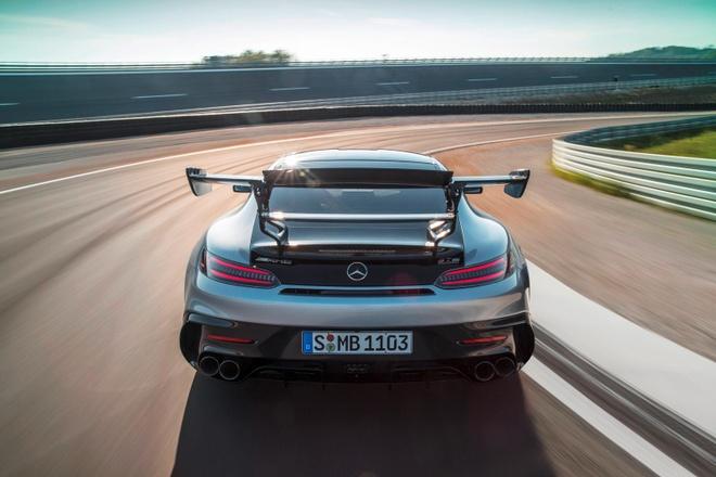 gia ban Mercedes-AMG GT Black Series anh 2