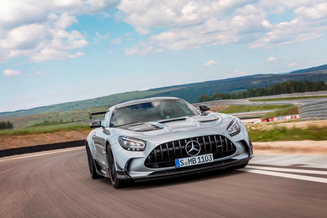 gia ban Mercedes-AMG GT Black Series anh 1