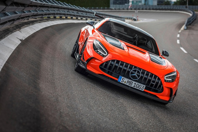 gia ban Mercedes-AMG GT Black Series anh 8