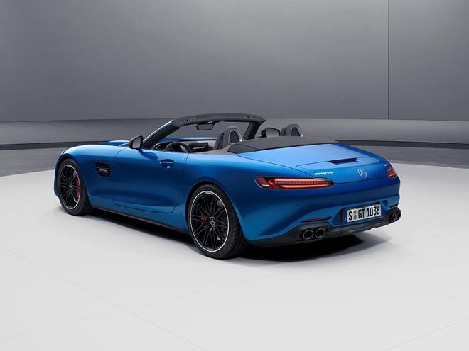 ban nang cap Mercedes-AMG GT 2021 ra mat anh 2