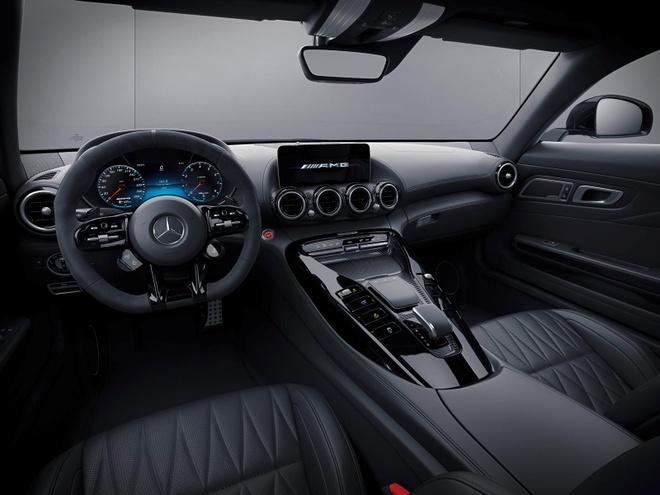 ban nang cap Mercedes-AMG GT 2021 ra mat anh 9