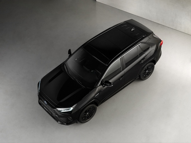 Toyota RAV4 Hybrid co ban mau den anh 3