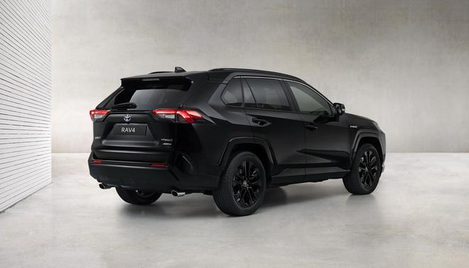 Toyota RAV4 Hybrid co ban mau den anh 2