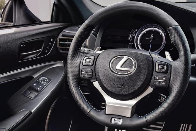 Lexus RC 2021 them ban ngoai that toi mau anh 6