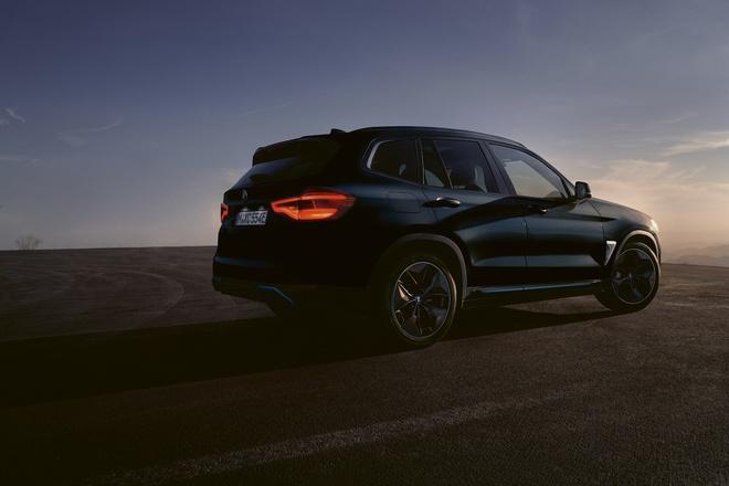 BMW iX3 2021 dat hon BMW X6 anh 3
