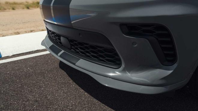 xe co bap Dodge Durango SRT Hellcat 2021 mo ban anh 12