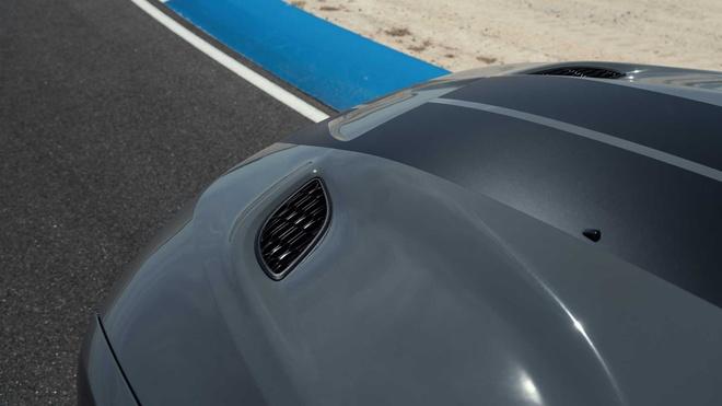 xe co bap Dodge Durango SRT Hellcat 2021 mo ban anh 13