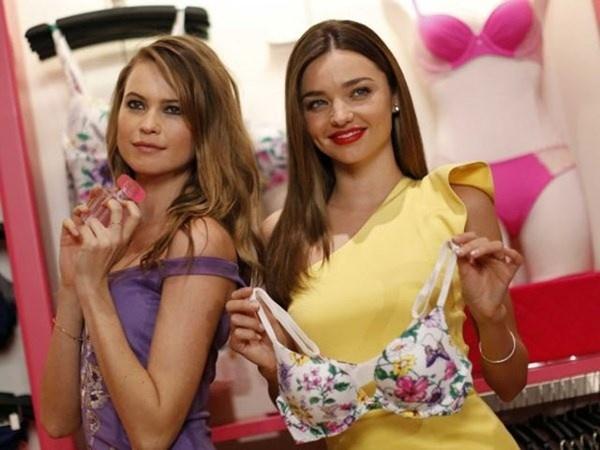 Vi sao Victoria's Secret thich tiep khach nam mua noi y nu? hinh anh