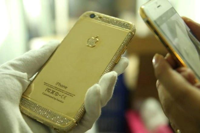 Dai gia vit co Van Dinh choi troi voi iPhone 6 gia nua ty hinh anh