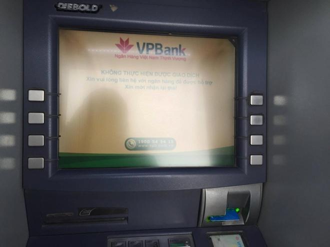 The Eximbank khong rut duoc tien tai ATM hinh anh 1