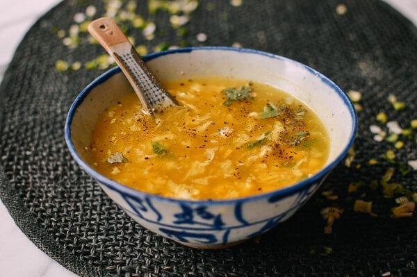 Cach nau sup ga voi trung, ngo don gian hinh anh
