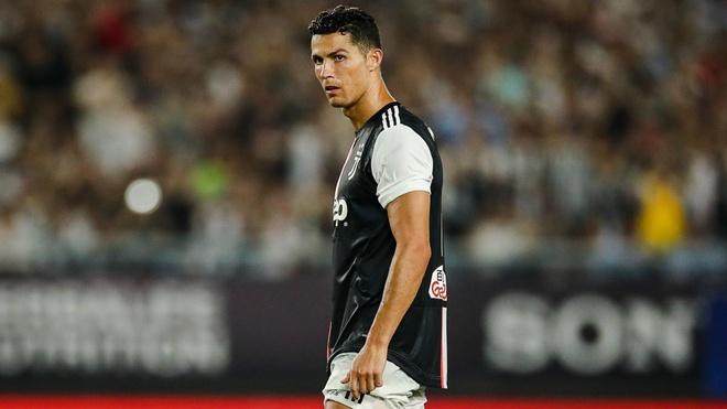 HLV Sarri ly giai cach dung Ronaldo o Juventus hinh anh 1