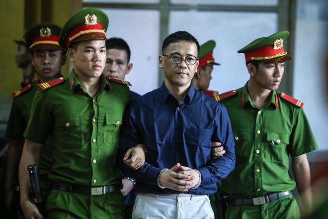 Cuu Giam doc VNCB: 'Ong Danh phai lam sai de cuu ngan hang' hinh anh