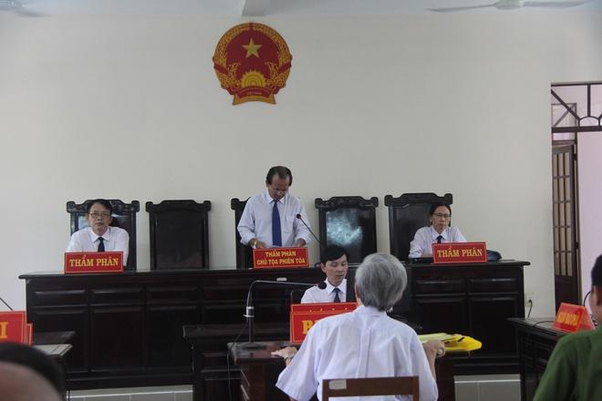 Vu Nguyen Khac Thuy linh 3 nam tu toi dam o tre: Nhe nhung thoa dang hinh anh 2