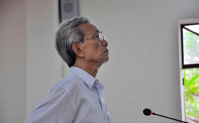 Sang nay, ong Nguyen Khac Thuy tu giac di thi hanh an hinh anh