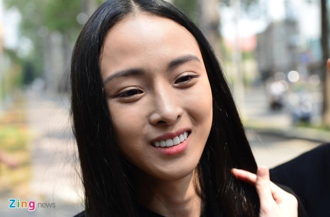 Hoa hau Phuong Nga: 'Tet nay, toi bat dau nghi ve con duong moi' hinh anh 2