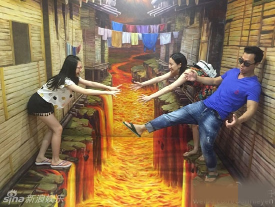 Chan Tu Dan dua vo con cung 50 nhan vien di nghi mat hinh anh 4