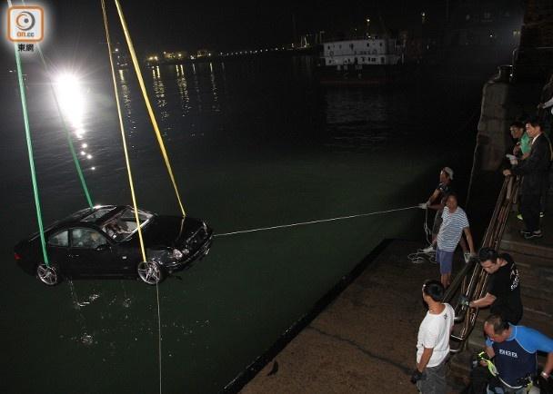 Hau truong canh quay xe lao xuong bien trong phim Hong Kong hinh anh 6