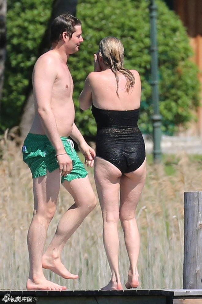 Kate Moss: Bieu tuong thoi trang da xap xe o tuoi 42 hinh anh 3
