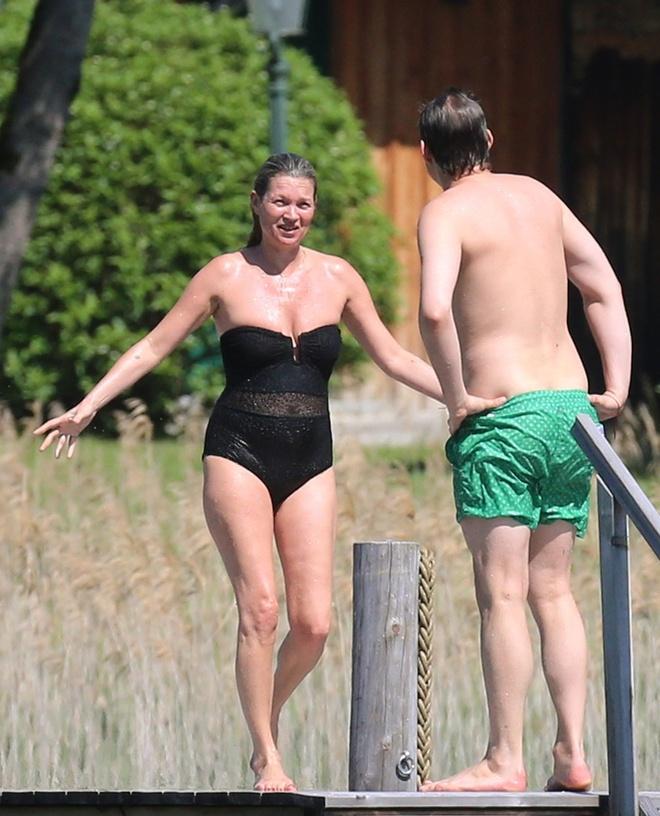 Kate Moss: Bieu tuong thoi trang da xap xe o tuoi 42 hinh anh 1