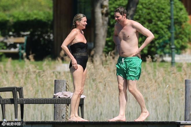 Kate Moss: Bieu tuong thoi trang da xap xe o tuoi 42 hinh anh 4