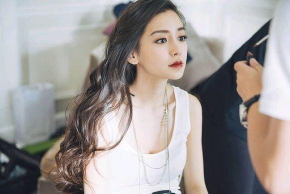 Vo chong Huynh Hieu Minh sanh dieu tren duong pho hinh anh 1