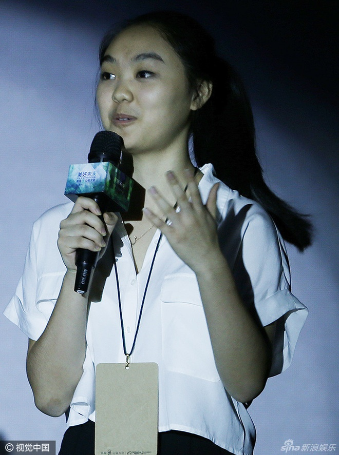 Con gai 16 tuoi cua Ly Lien Kiet het loi khen ngoi cha hinh anh 1