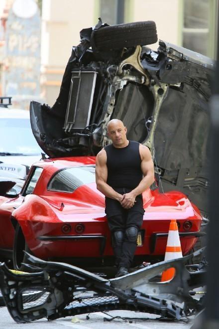'Fast & Furious 8' cong khai hau truong tai nan sieu xe hinh anh 1