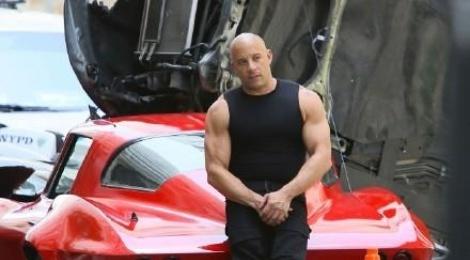 'Fast & Furious 8' cong khai hau truong tai nan sieu xe hinh anh