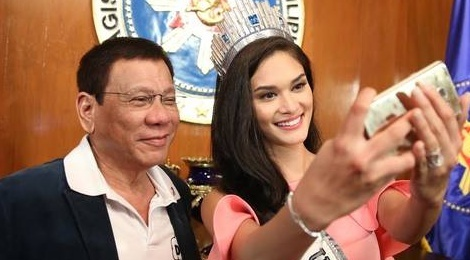 Hoa hau Hoan vu dien kien tan Tong thong Philippines hinh anh