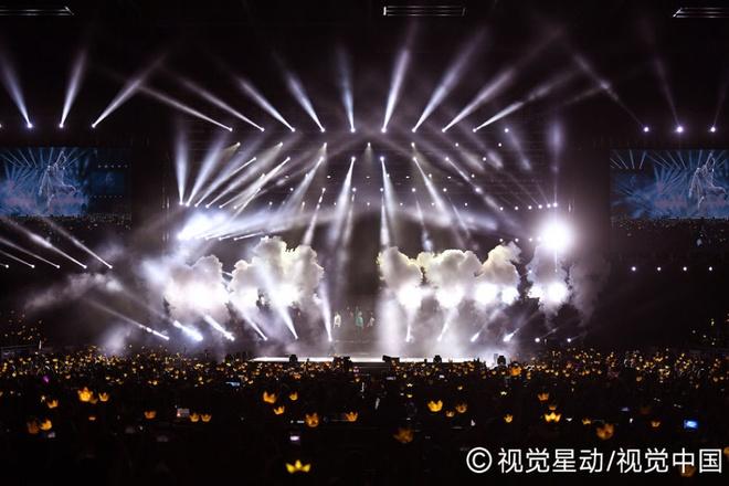 Sao Hong Kong cung cuong voi live show cua Big Bang hinh anh 1