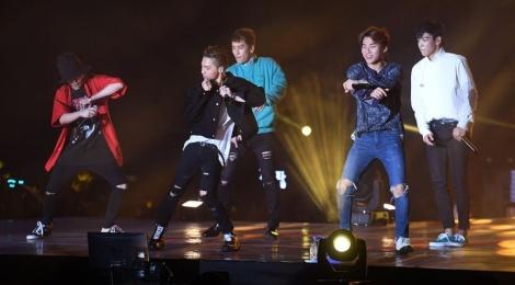 Sao Hong Kong cung cuong voi live show cua Big Bang hinh anh