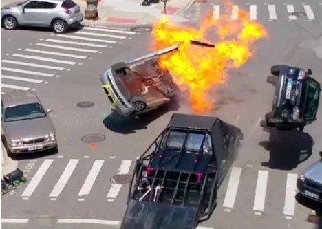 Nhung canh va cham sieu xe tren phim truong 'Transformers 5' hinh anh 7