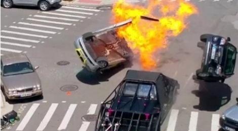 Nhung canh va cham sieu xe tren phim truong 'Transformers 5' hinh anh