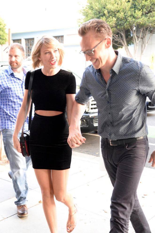 'Loki' va Taylor Swift tay trong tay sau nghi van ran nut hinh anh 2